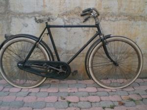 Man bike with wheels in wood of 1938