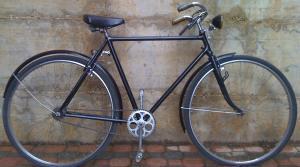 """Bici uomo 28"""" degli anni 30 (marca sconosciuta) con faro Radius."""