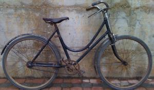 Bici donna 24-3/8 con freni a bacchetta del 1935